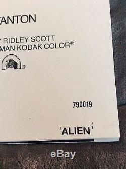 Alien 1979 Original 27x41 1-sheet Movie Poster Sigourney Weaver John Hurt