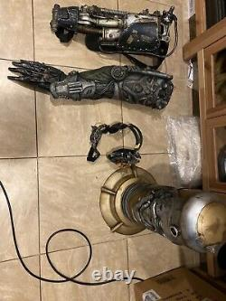 Alita Battle Angel Welcome To Iron city Props