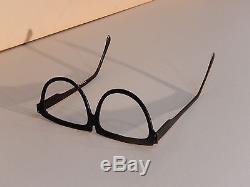 Howard the Duck (1986) Screen-Used Duckworld Original Eye-Glasses Prop