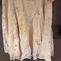 JLo Jennifer Lopez Yellow Peasant Outfit From Monster-in-Law Movie