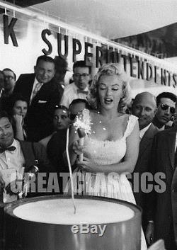 Marilyn Monroe 1957 Candid Time Life Building Nyc Original Vintage Photograph