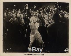 METROPOLIS (1927) Vintage original 8x10 still #933-3A / evil Maria incites riot