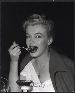 RARE 1953 Original Photo MARILYN MONROE Eats ICE CREAM by ANDRE de DIENES