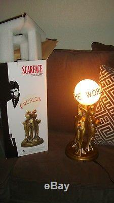 Rare ScarfaceThe World Is YoursStatue Lamp works, new in box Universal original