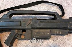 Starship Troopers Long Rubber Morita Rifle Screen Used Movie Prop With COA